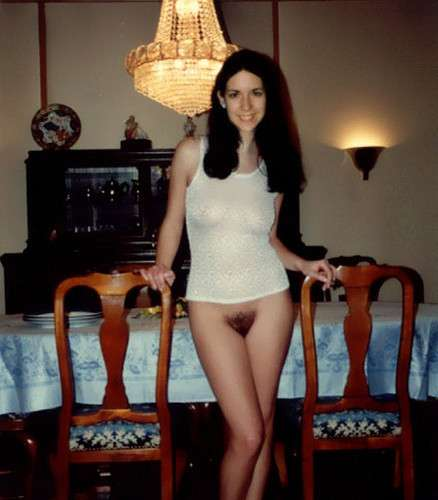 exhibe chatte poilue (10)