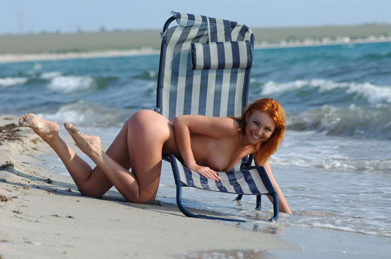 fille nue bonnasse plage (6)