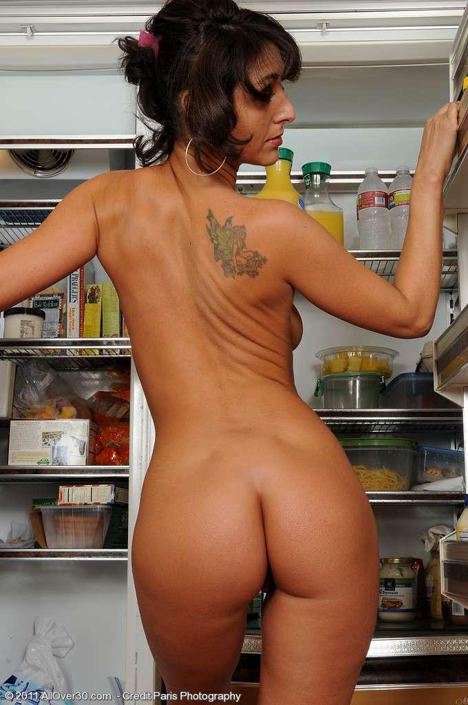 fille nue cuisine (8)
