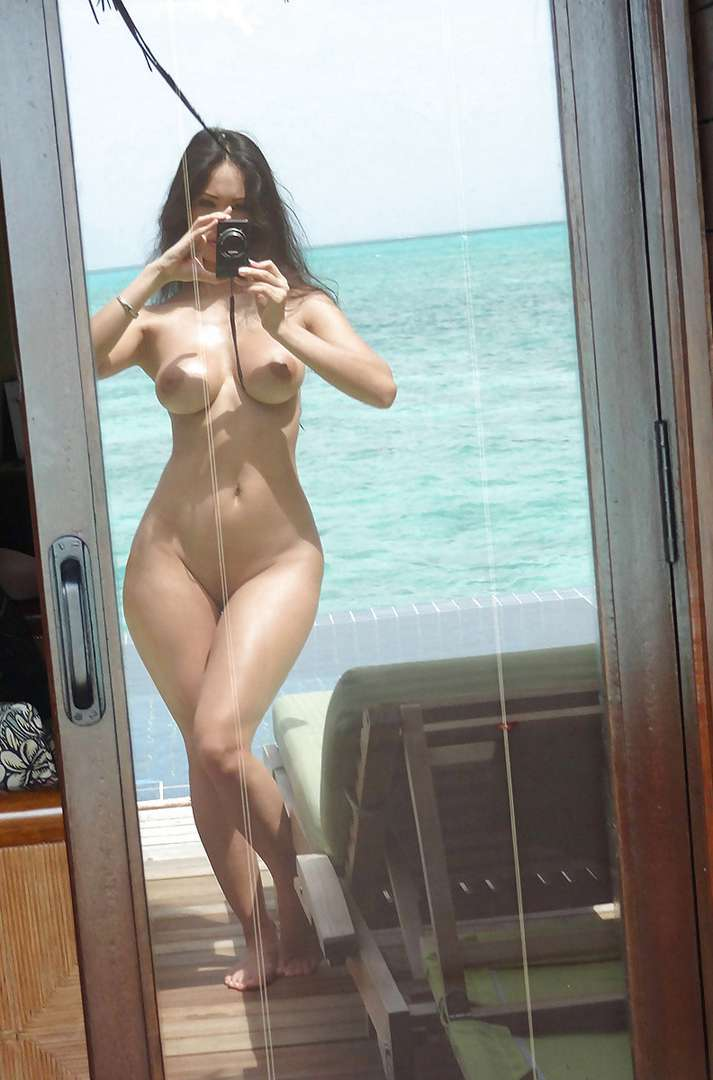 fille nue selfie (8)