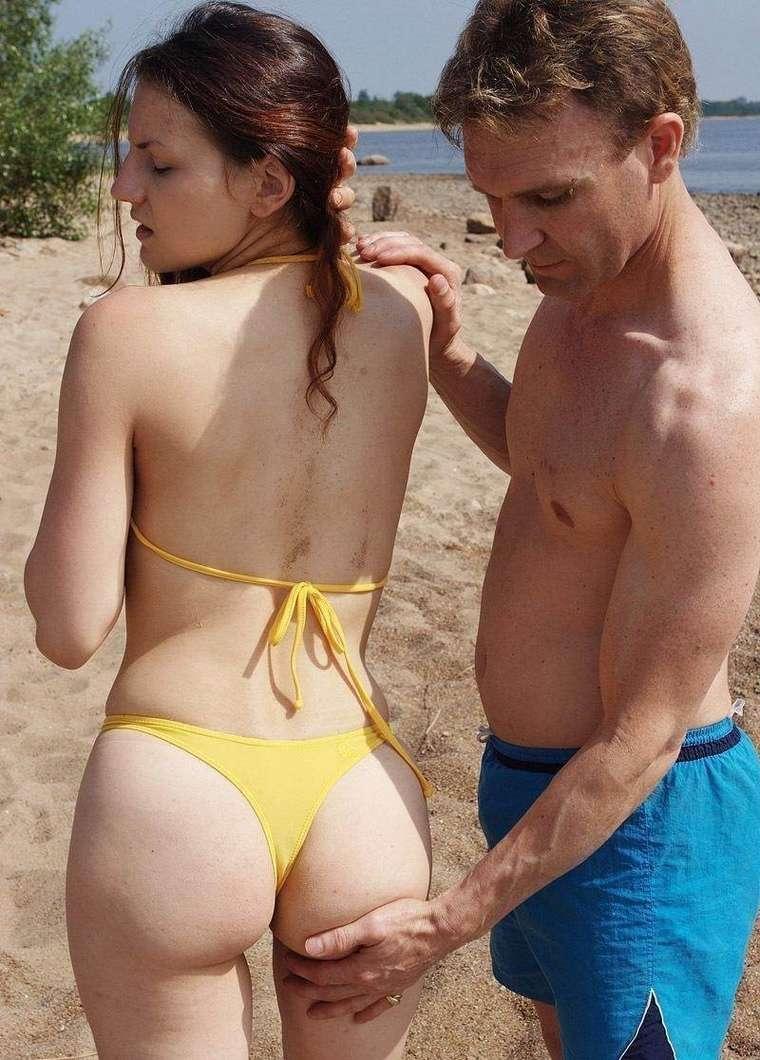 fille sexy bikini jaune (34)