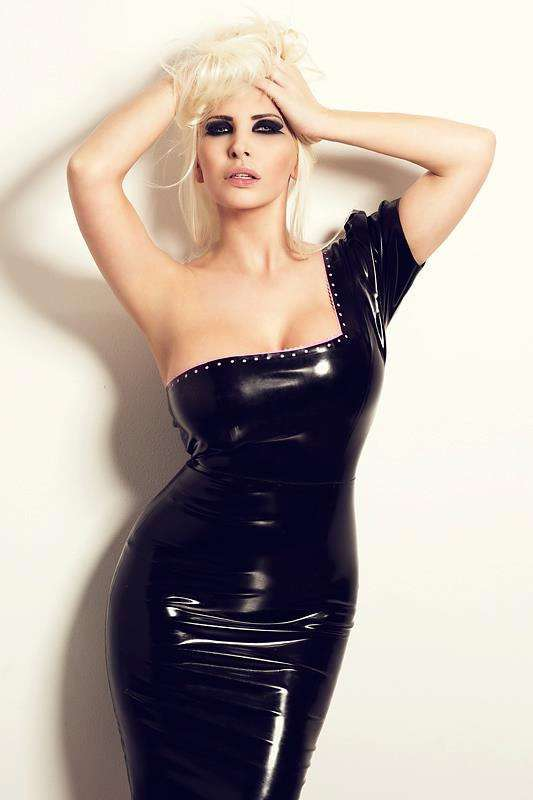fille sexy latex (1)