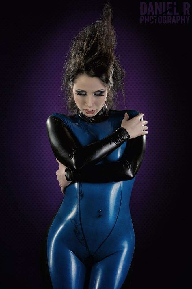 fille sexy latex (23)