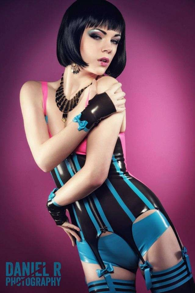fille sexy latex (24)