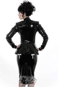 Filles coquines en tenue noire sexy et excitante