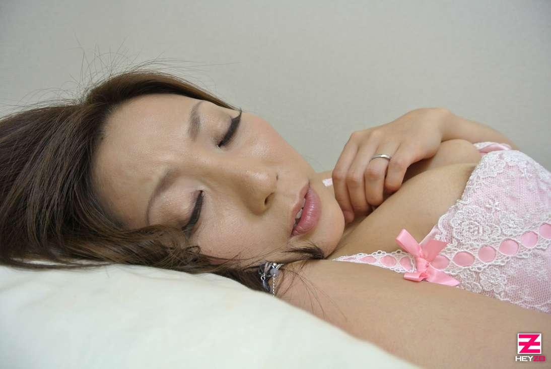 maman japonaise nue suce baise (103)