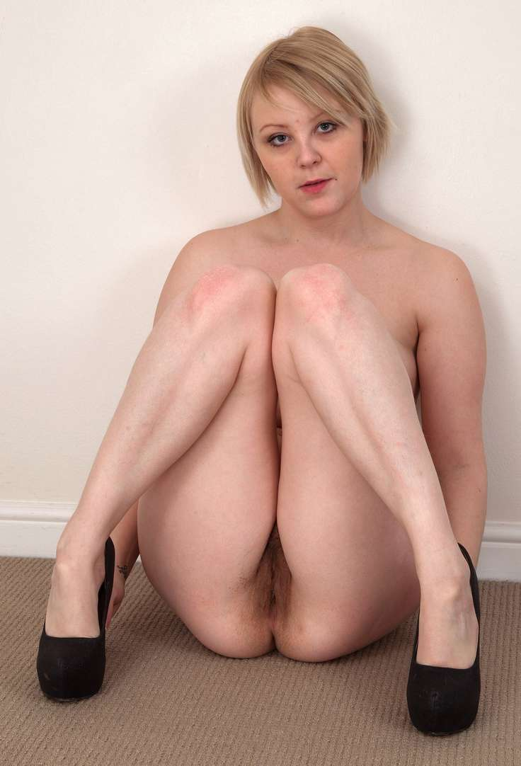 mature poilue nue (2)