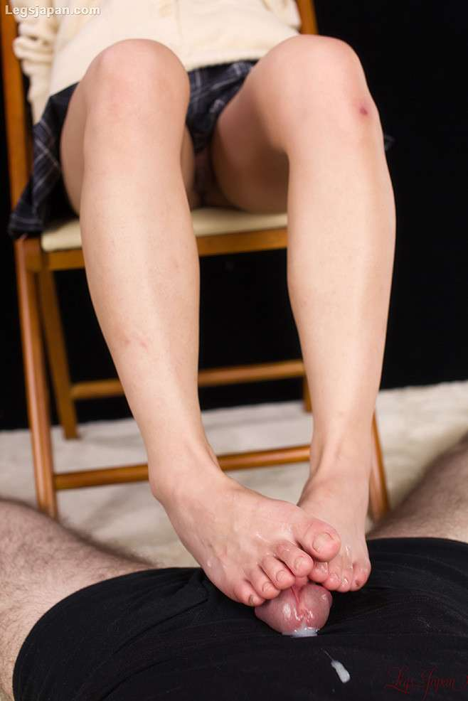 nippone branle pieds sexy (12)