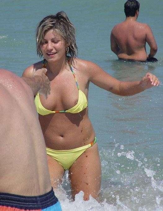 oops bikini fille sexy (12)