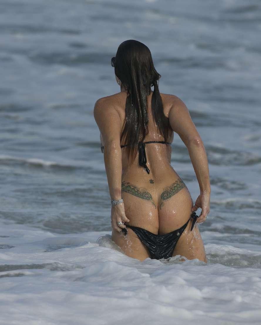 oops bikini fille sexy (26)