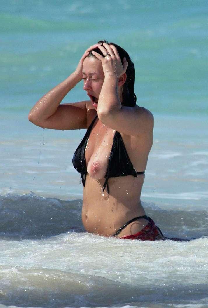 oops bikini fille sexy (7)
