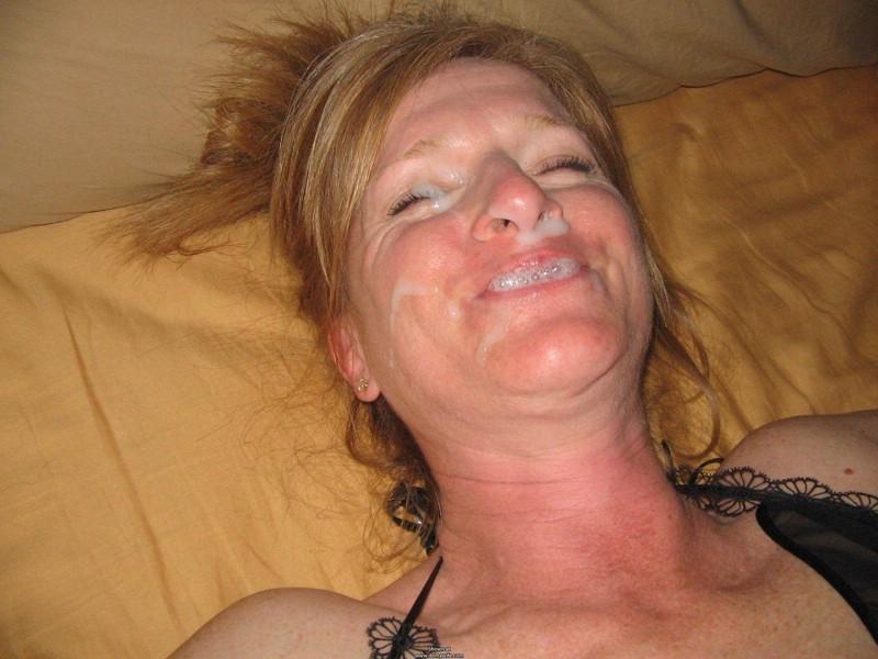 sperme visage salope (1)