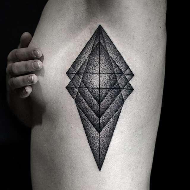 tatouage seins nus (15)