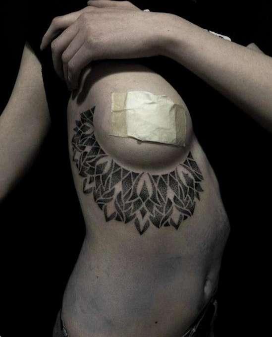 tatouage seins nus (22)