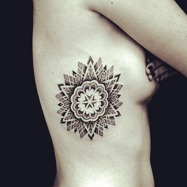 tatouage seins nus (9)