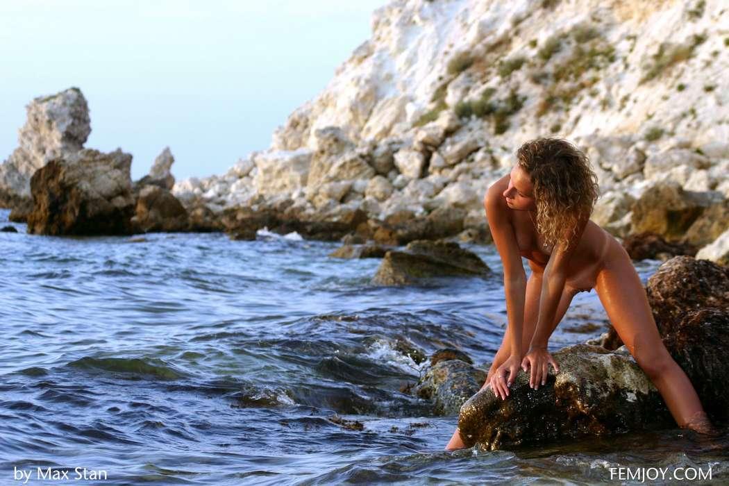 teen blonde bonasse nue plage (128)