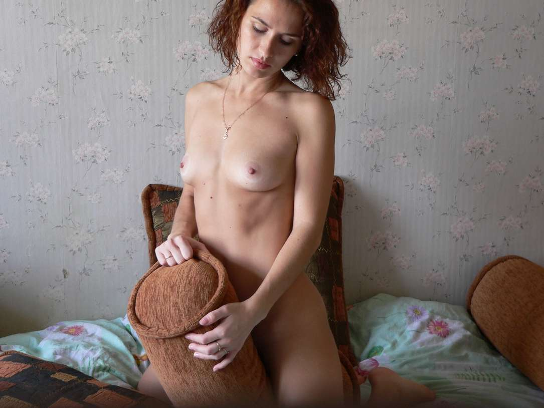 teen russe petits seins nue (133)