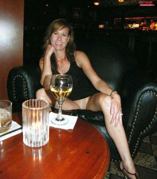 upskirt sans culotte public (2)