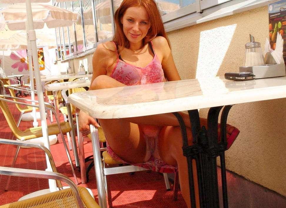 upskirt sans culotte public (21)