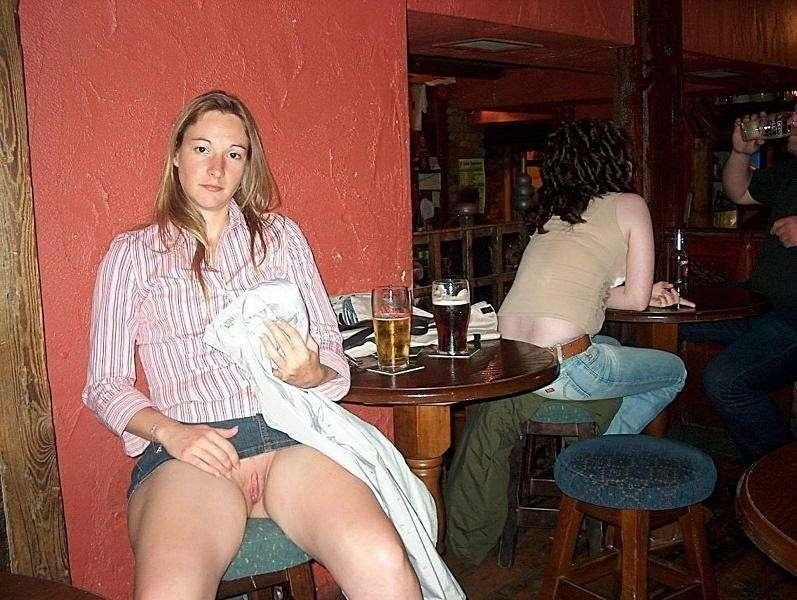upskirt sans culotte public (26)