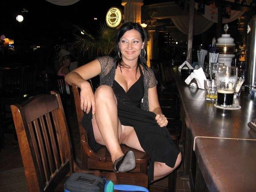 upskirt sans culotte public (27)