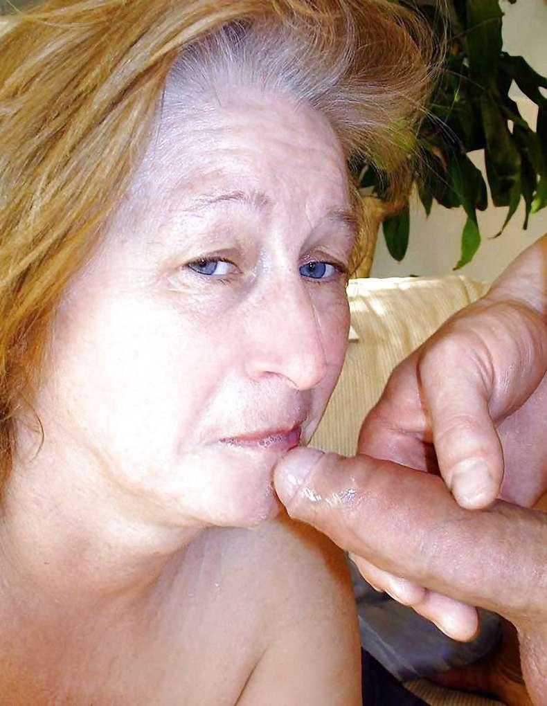 vieille femme nue suce (13)