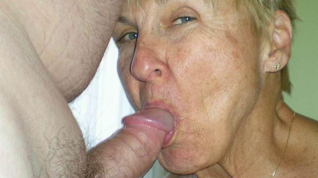 vieille femme nue suce (15)