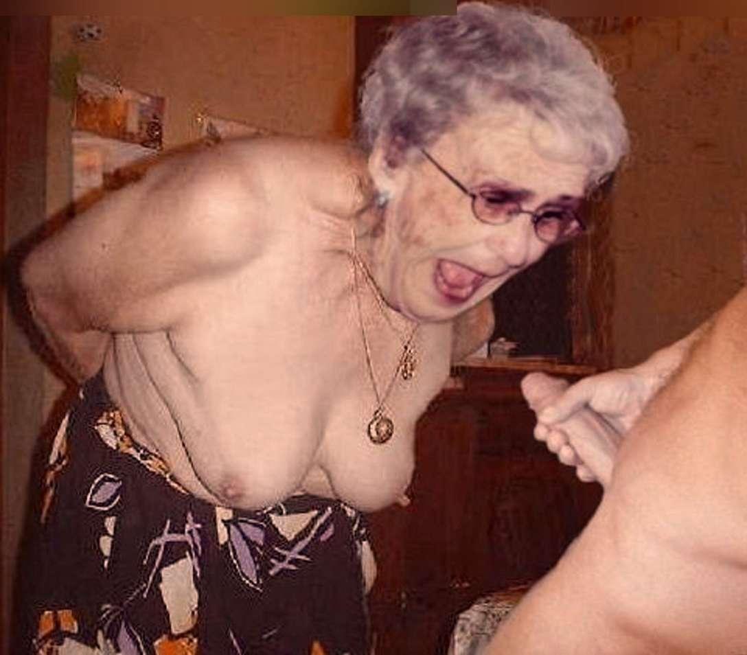 vieille femme nue suce (26)