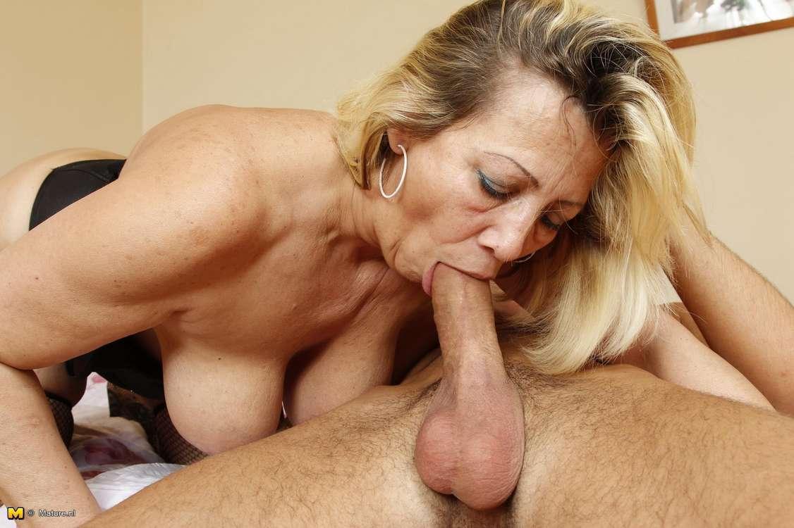Big Tits Mom Blowjob