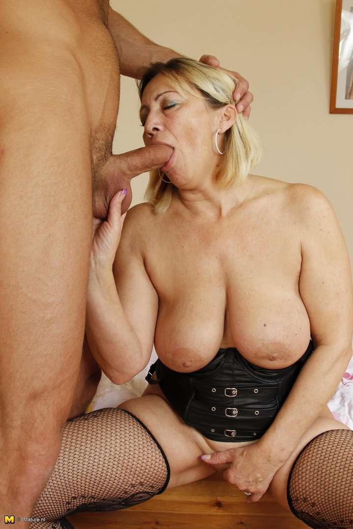 woman cock Older sucking