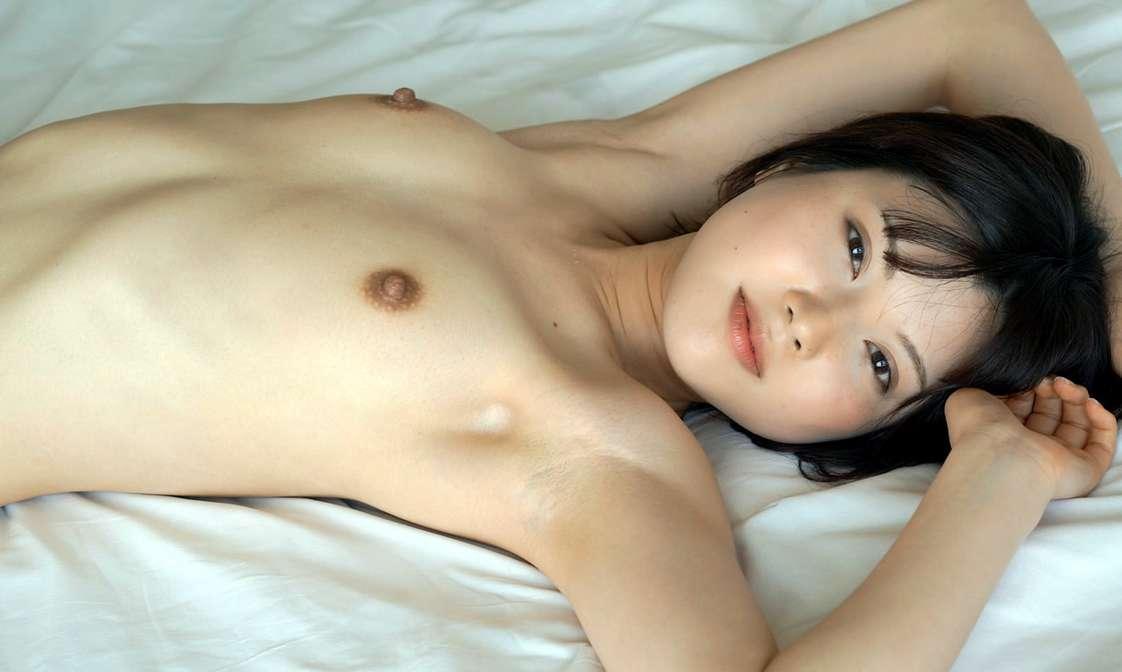 asiatique nue petits seins (1)