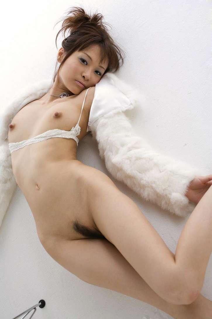 asiatique nue petits seins (20)