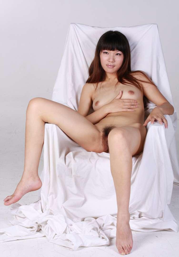 asiatique nue petits seins chatte poilue (110)