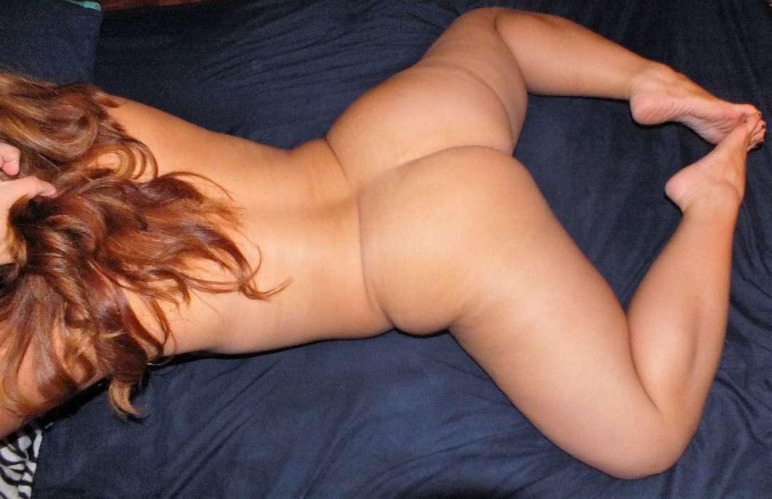 beau cul pieds sexy rousse nue (100)