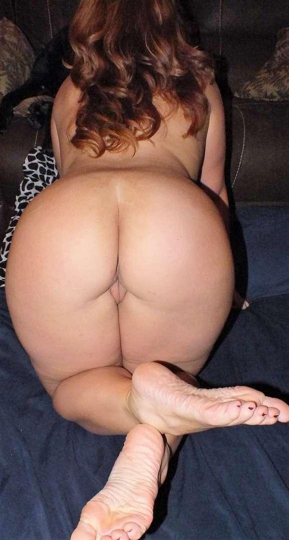 beau cul pieds sexy rousse nue (105)