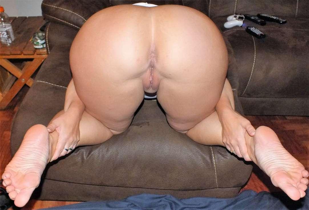 beau cul pieds sexy rousse nue (108)