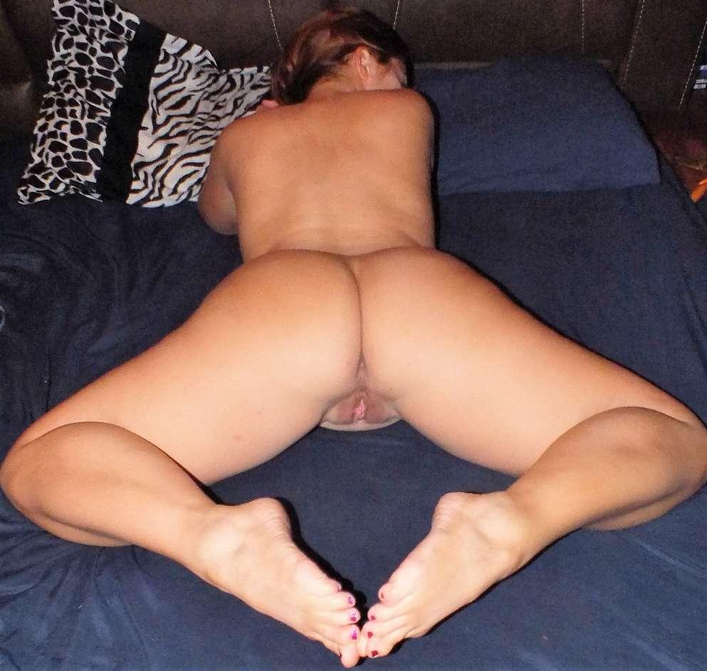 beau cul pieds sexy rousse nue (110)