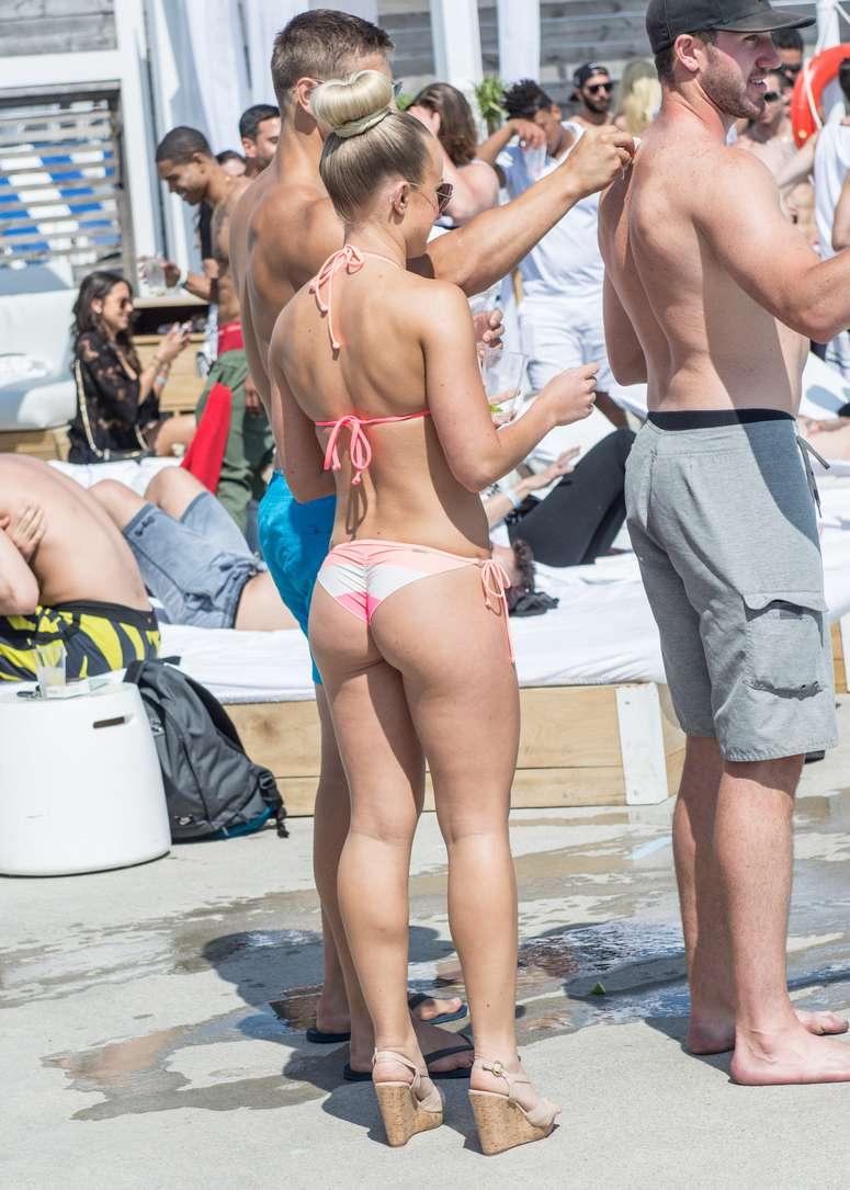 bikini dans le cul (11)