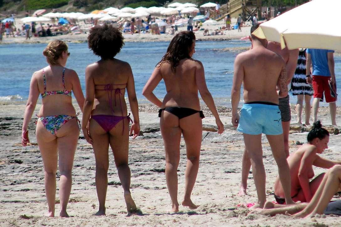 bikini dans le cul (14)