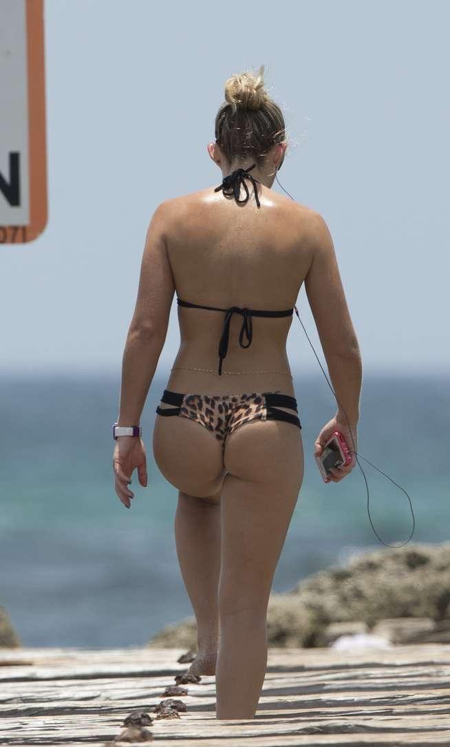 bikini dans le cul (4)