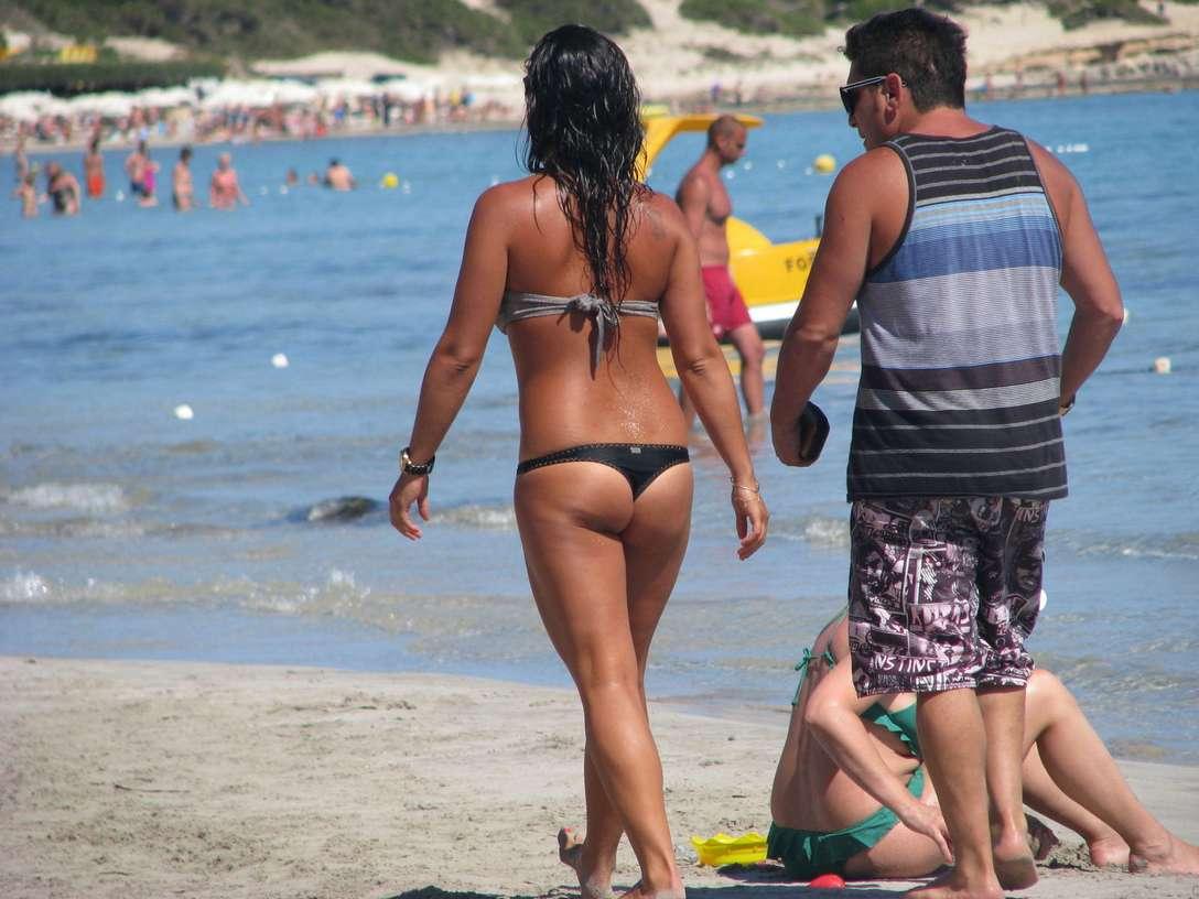 bikini dans le cul (5)