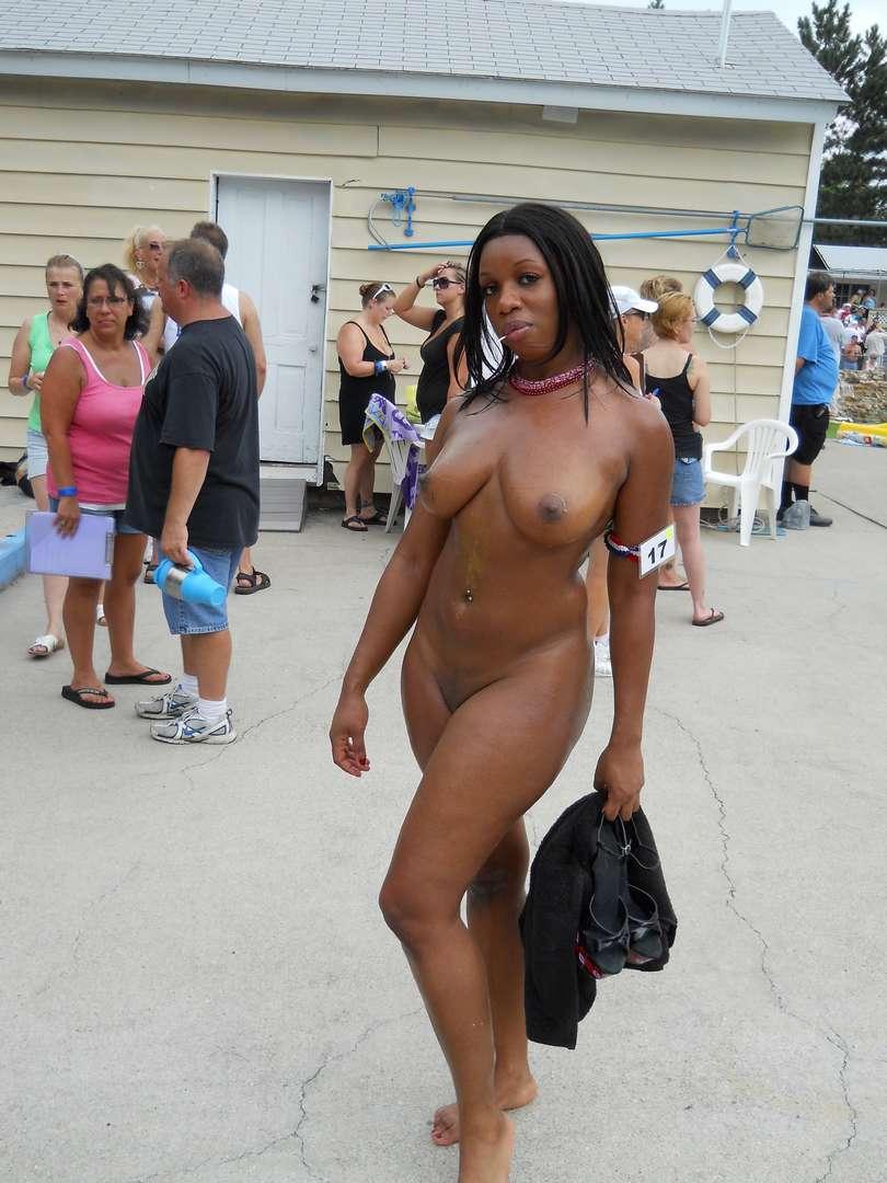 Femmes rondes nues porn