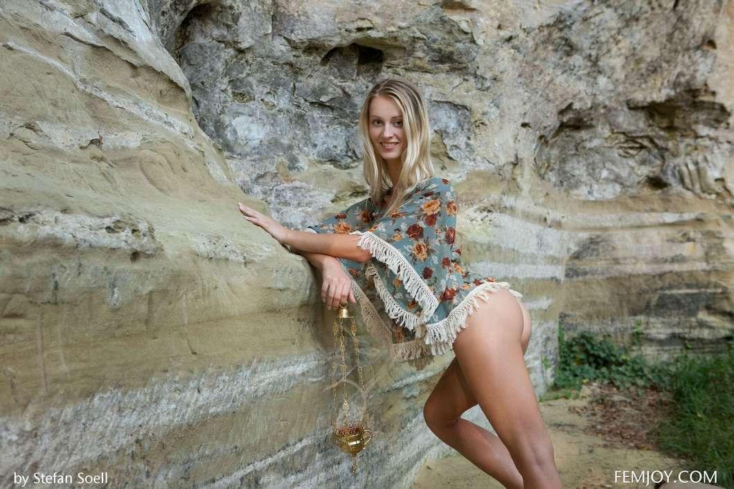 blonde gros seins nue (102)