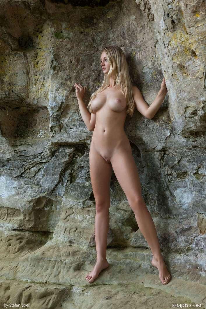 blonde gros seins nue (114)