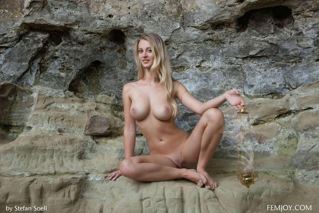 blonde gros seins nue (119)