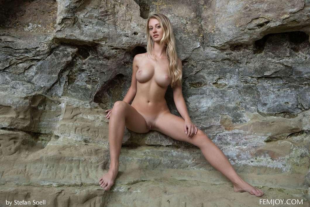 blonde gros seins nue (121)