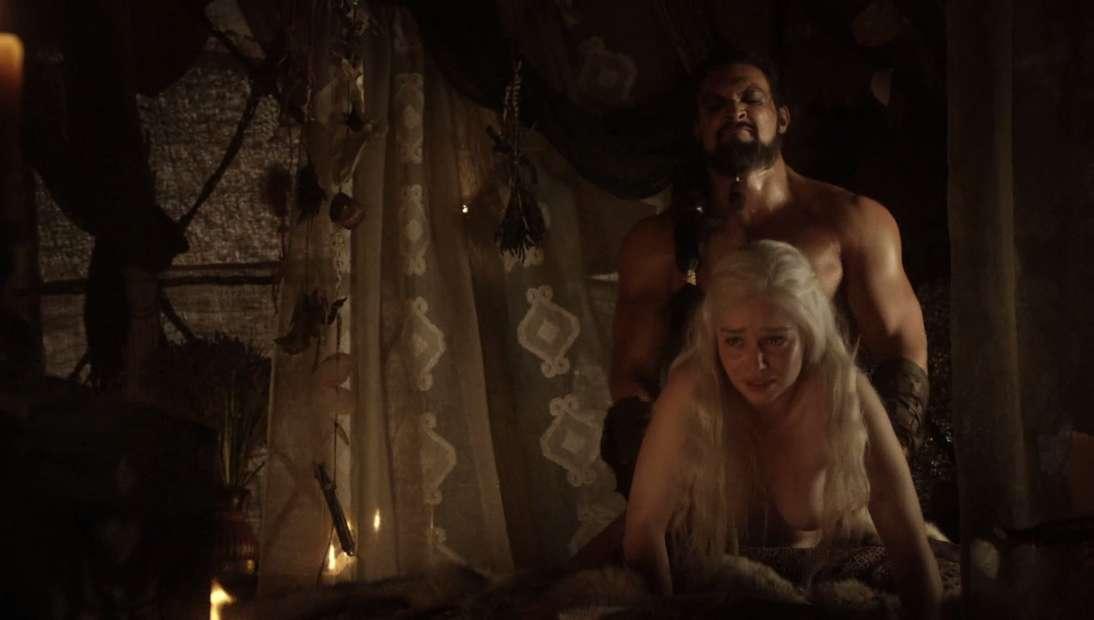 emilia clarke nue game of thrones (11)