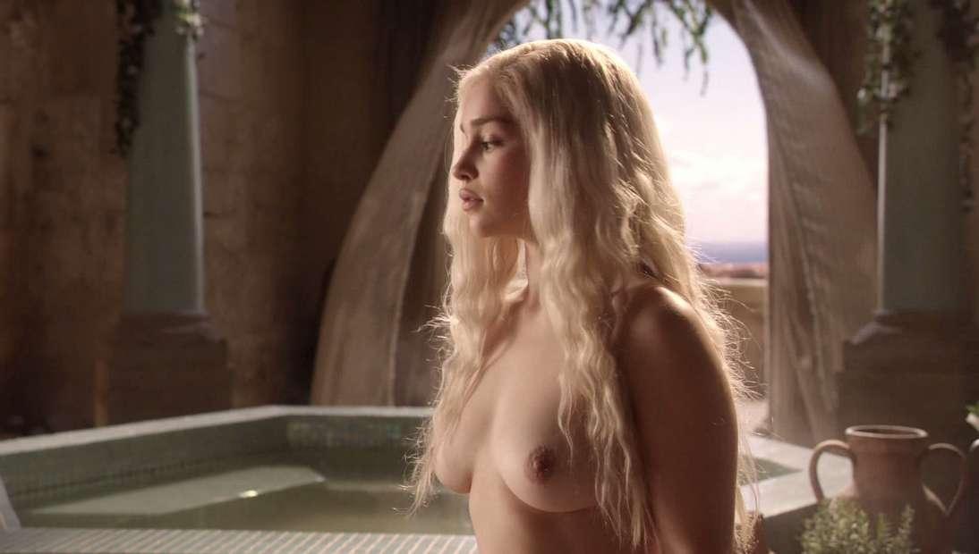 emilia clarke nue game of thrones (7)