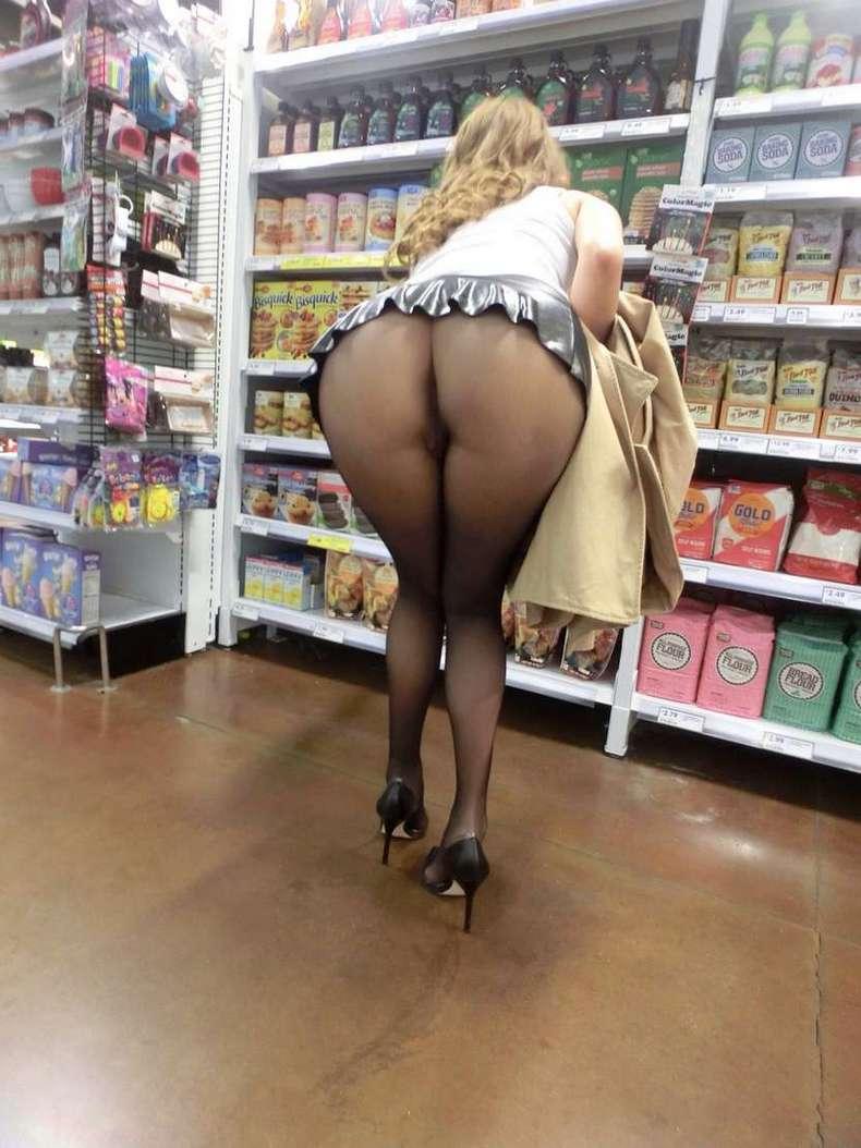 exhibe cul sans culotte public (19)