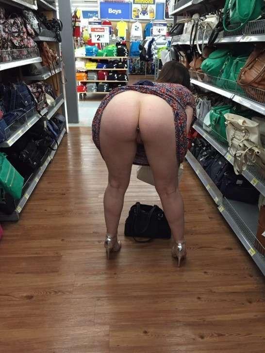 exhibe cul sans culotte public (21)